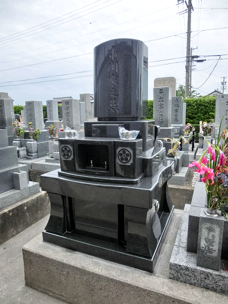 和洋型墓石(仏教型)